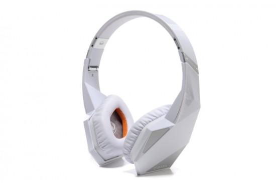 MONSTERとDIESELのコラボヘッドフォンVEKTR On-Ear Headphoneのホワイトカラー発売!