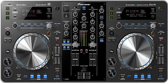 iPadやiPhone、iPod touchで操作してDJプレイを楽しめる 「XDJ-R1」 発売!